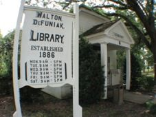 DeFuniak Springs Library